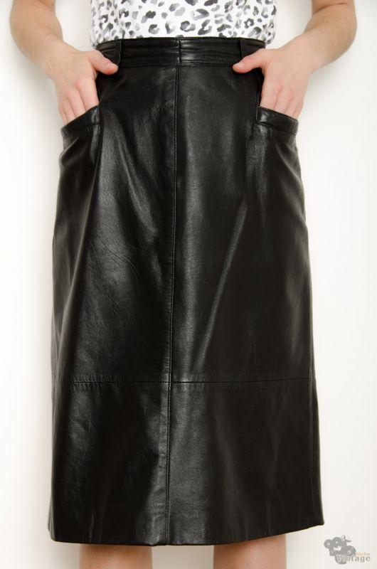 a68db8e62 Vintage 80s Pockets Leather Black Midi Skirt Size M - Bichovintage ...