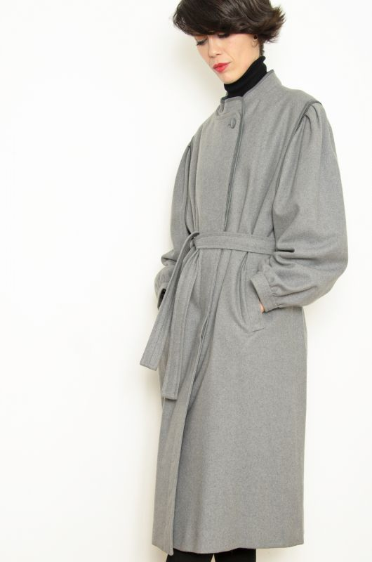 Abrigos de lana en gris
