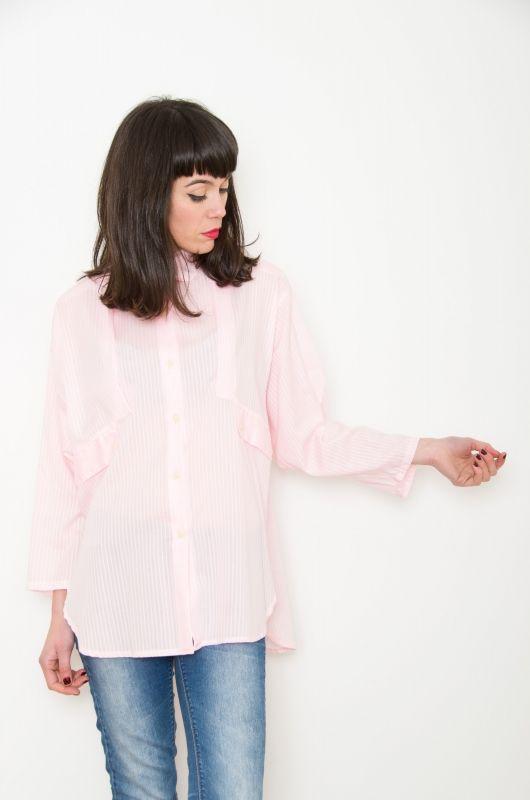 ec54a6c39f Camisa Vintage 90s Rosa Rayas Oversize - Bichovintage - Tienda online de  ropa vintage y retro