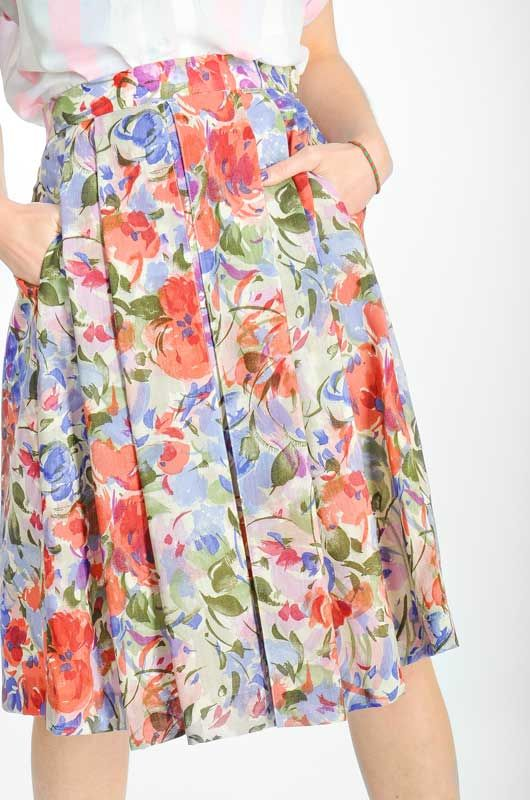 4abacc48ae7 Vintage 80s Floral Skirt Size S - Bichovintage - Online vintage and retro  clothing store