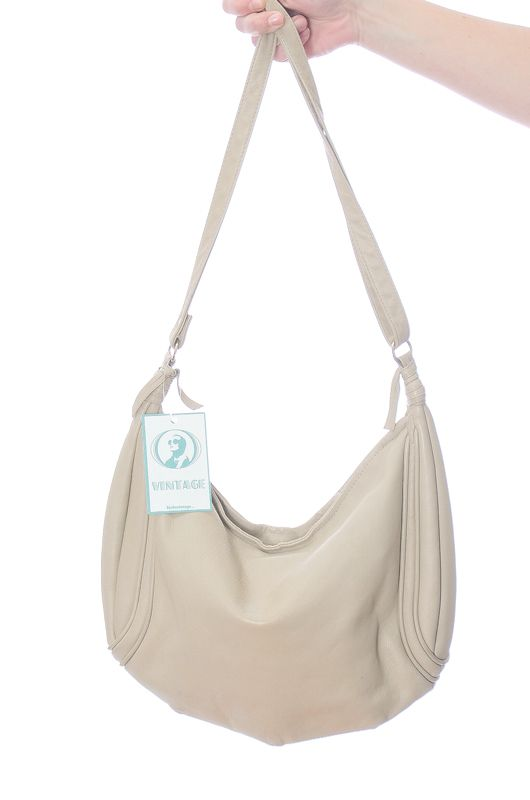 7321a958e98d20 Vintage 80s Leather Cream Shoulder Bag - Bichovintage - Online vintage and  retro clothing store