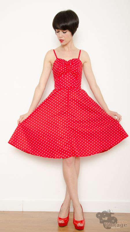 Vestido rojo con lunares blanco