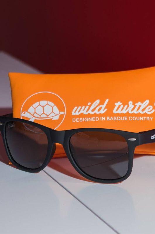 Gafas de sol Wild Turtle Black Smoke Classic
