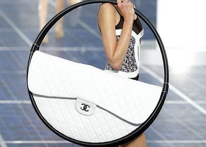 Bolso Hula Hoop de Chanel